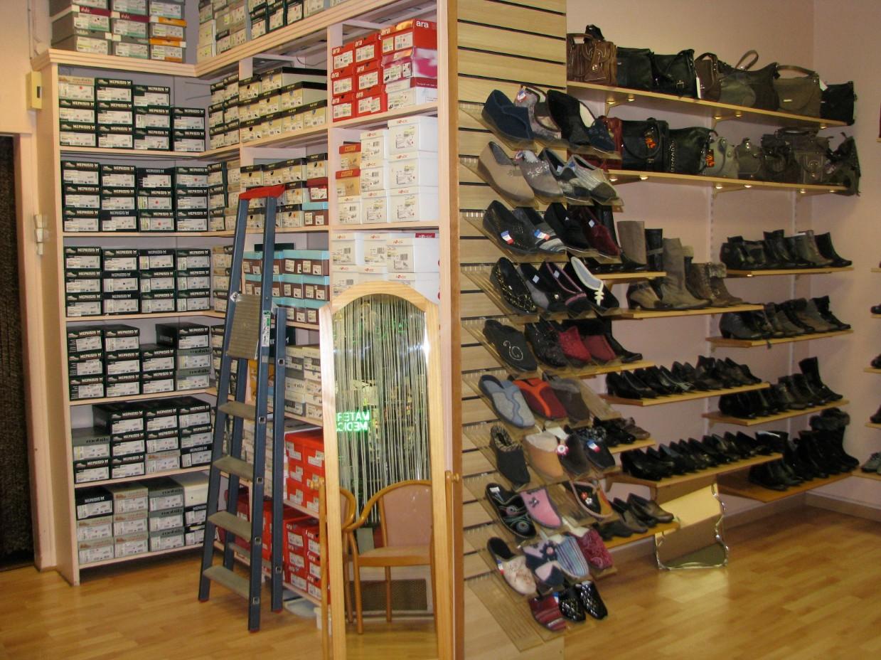 boutique chaussures au soulier d'or