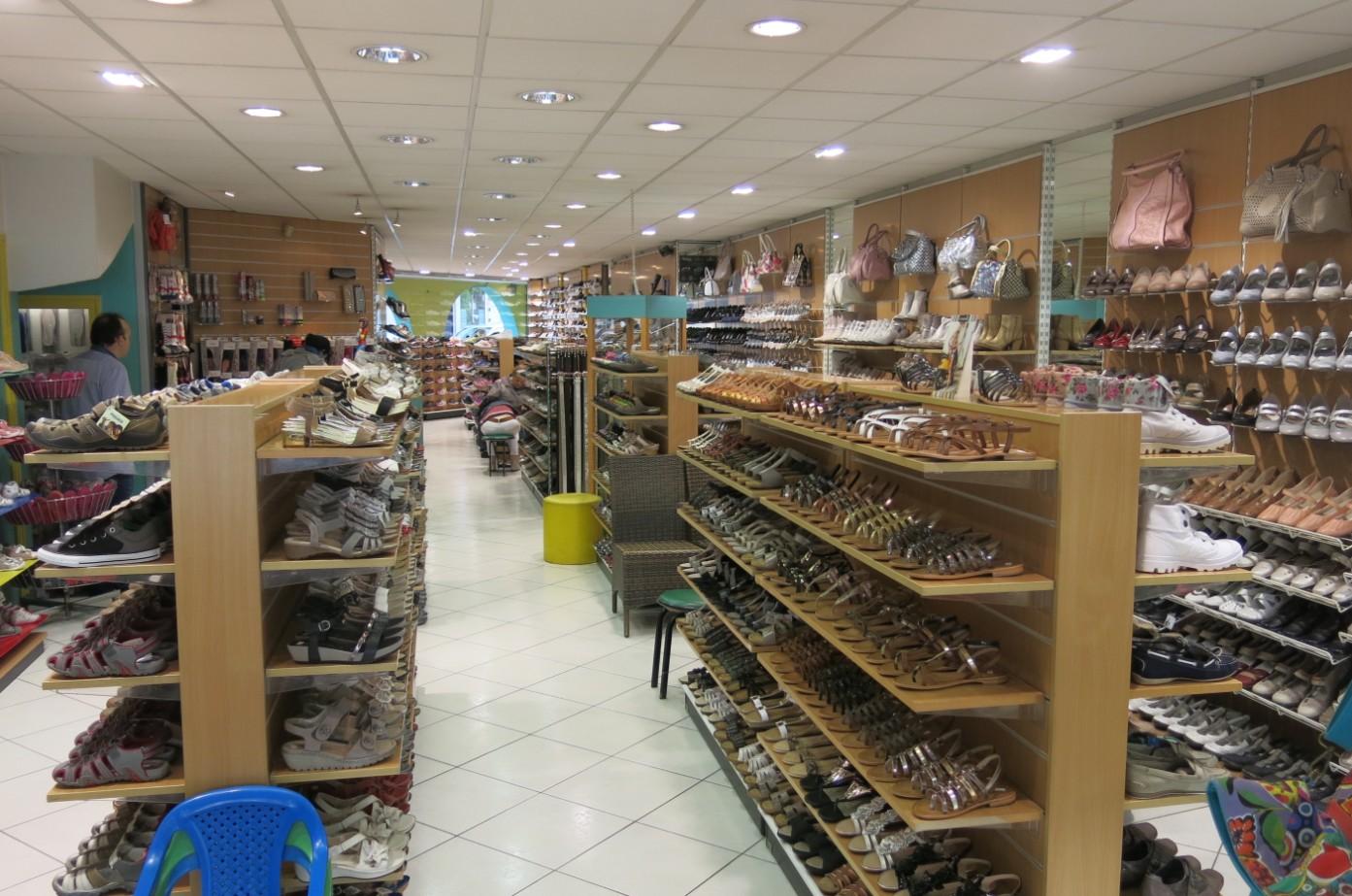 le magasin de chaussures salesiani thonon les bains. Black Bedroom Furniture Sets. Home Design Ideas